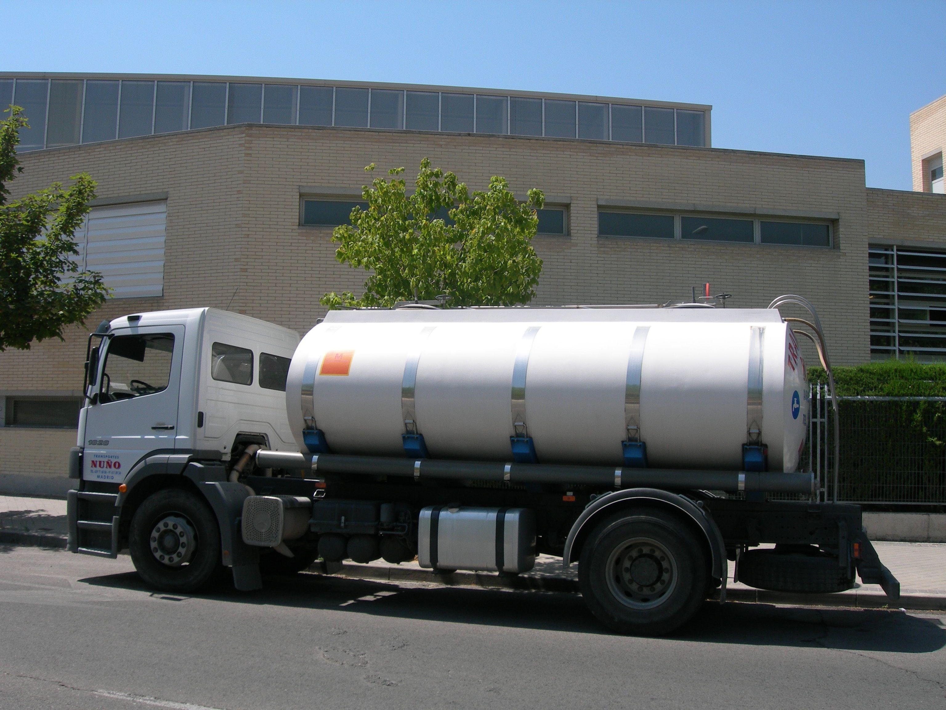 Foto 1 de Abastecimiento de agua en Alcorcón | Transportes Nuño