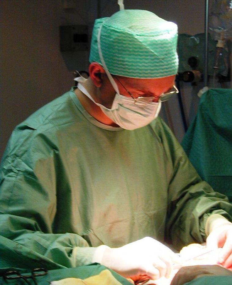 Foto 6 de Médicos especialistas Cirugía general y del aparato digestivo en Ourense | Dr. Alberto Parajó Calvo (C-32-001094)