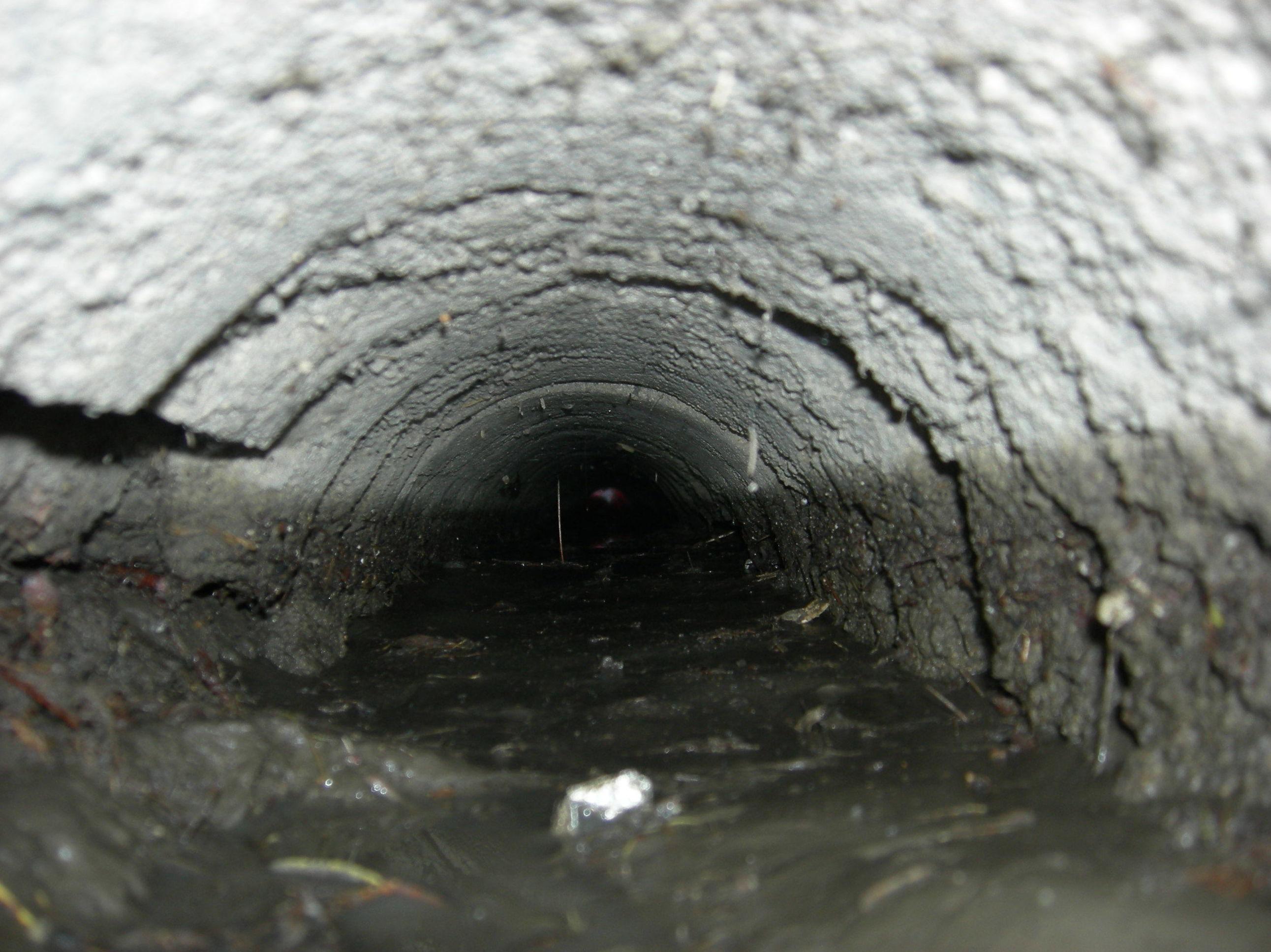 tubo muy desgastado
