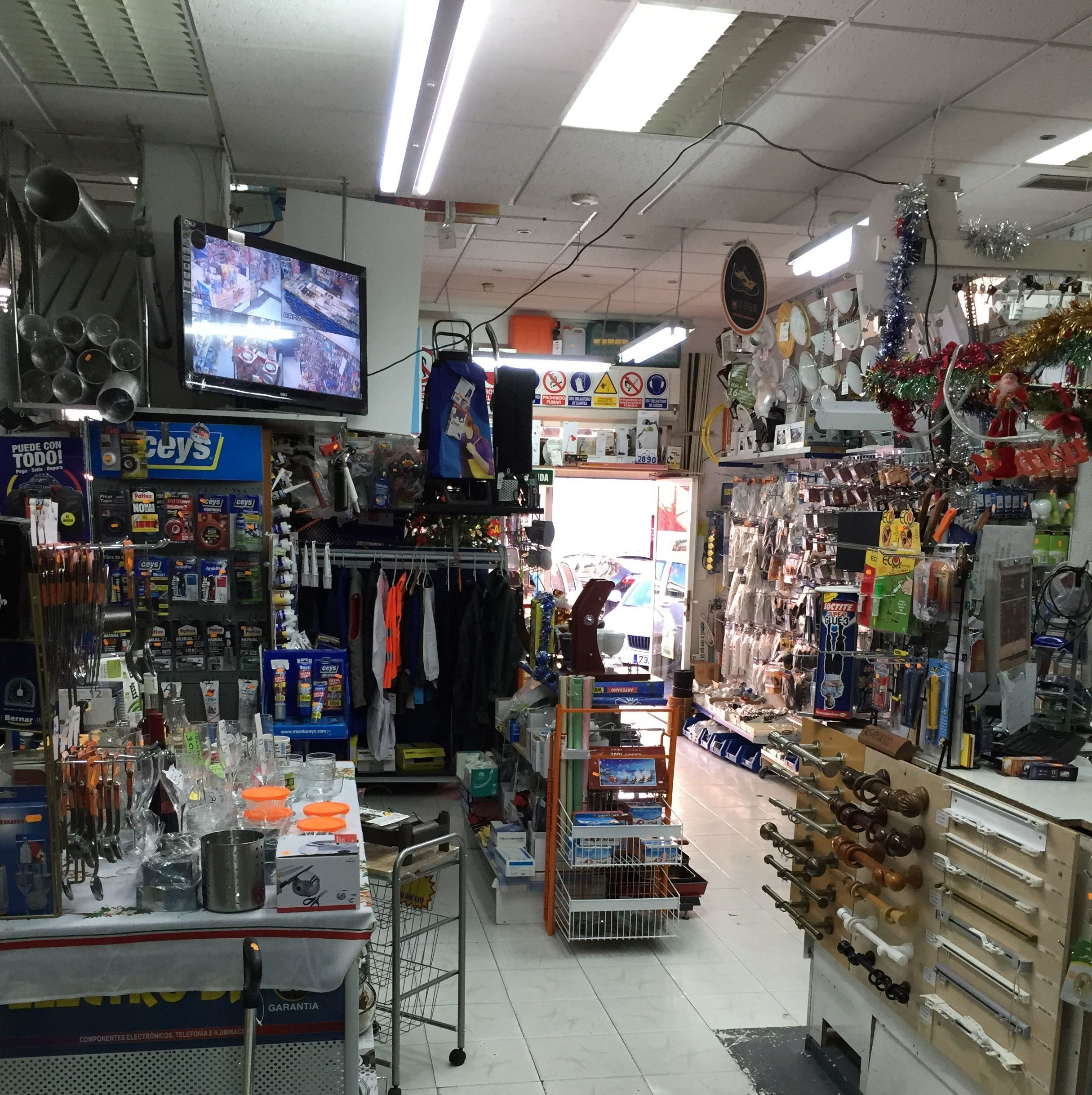 Foto 12 de Cerrajería en MADRID | Ferretería Mendoza