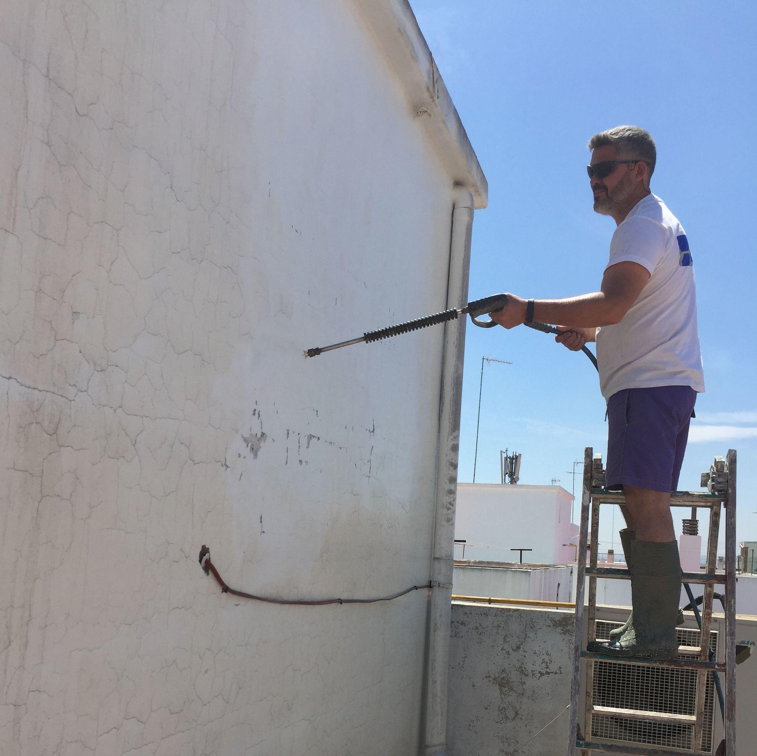 Limpieza de cubiertas o fachadas
