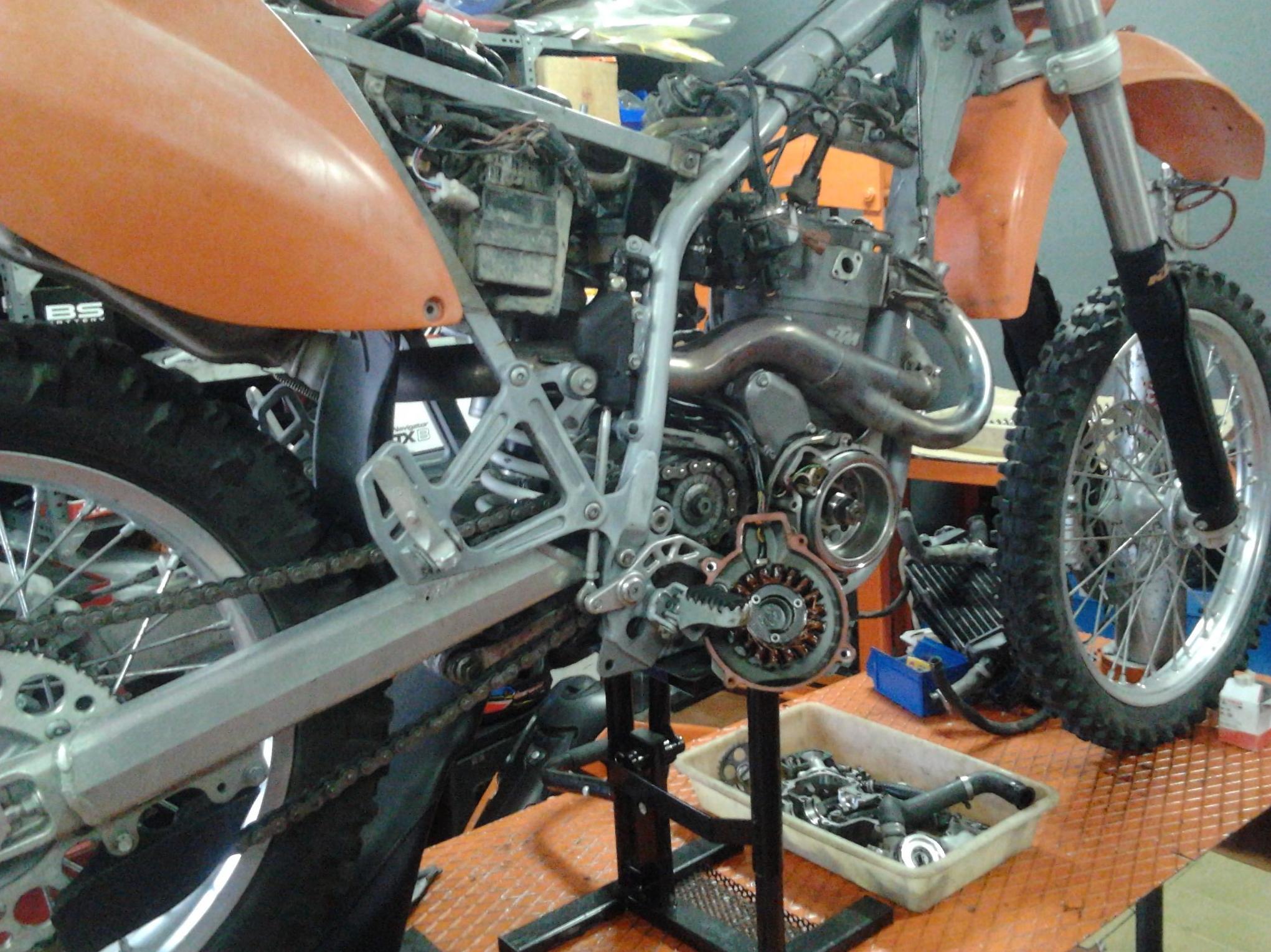 Reparación de motores de todo tipo en Dosruedas Motorbikes