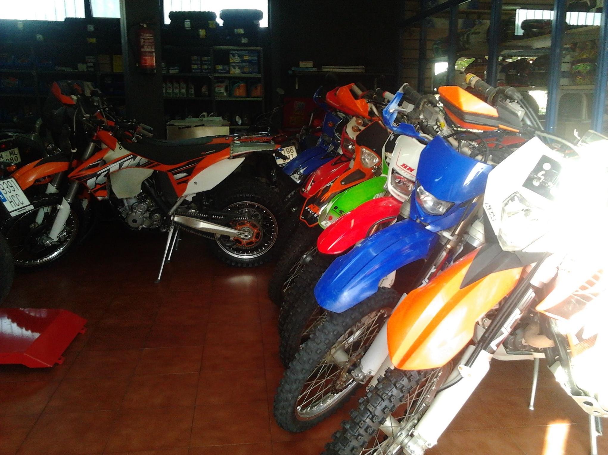 Diferentes marcas con las que trabajamos en Dosruedas Motorbikes