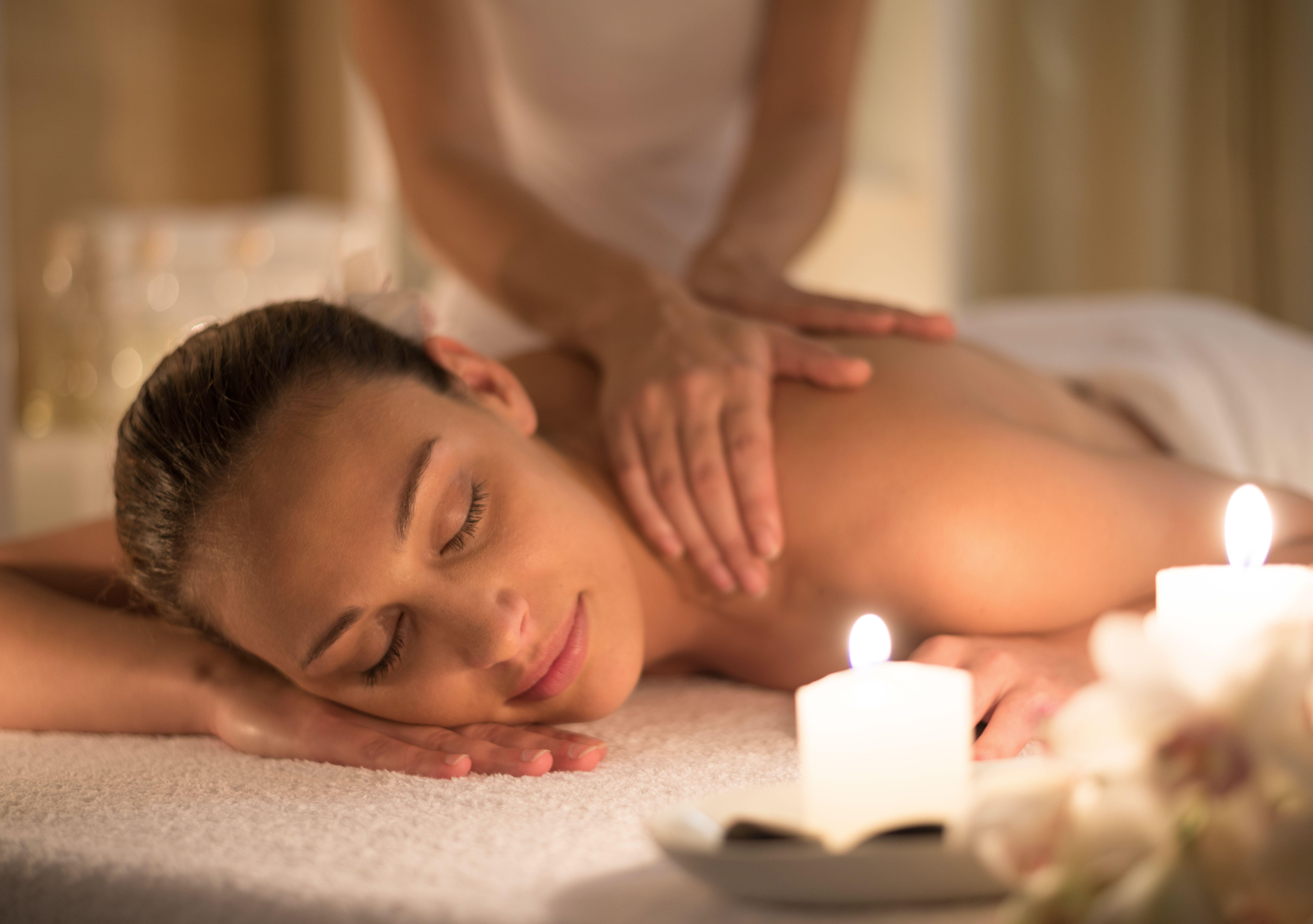 Masaje bienestar: Servicios de D&C Beauty Spa