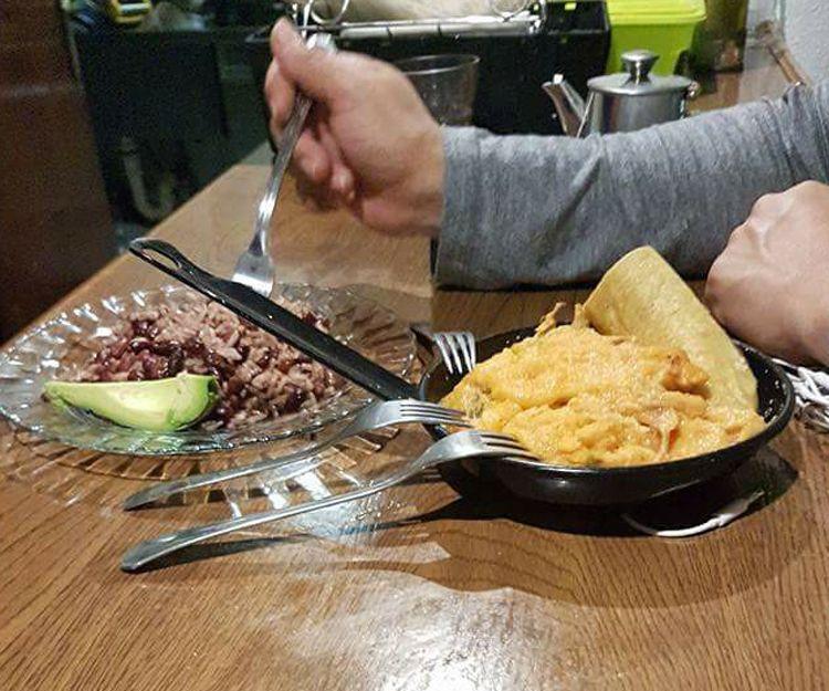 Disfruta de la comida ecuatoriana