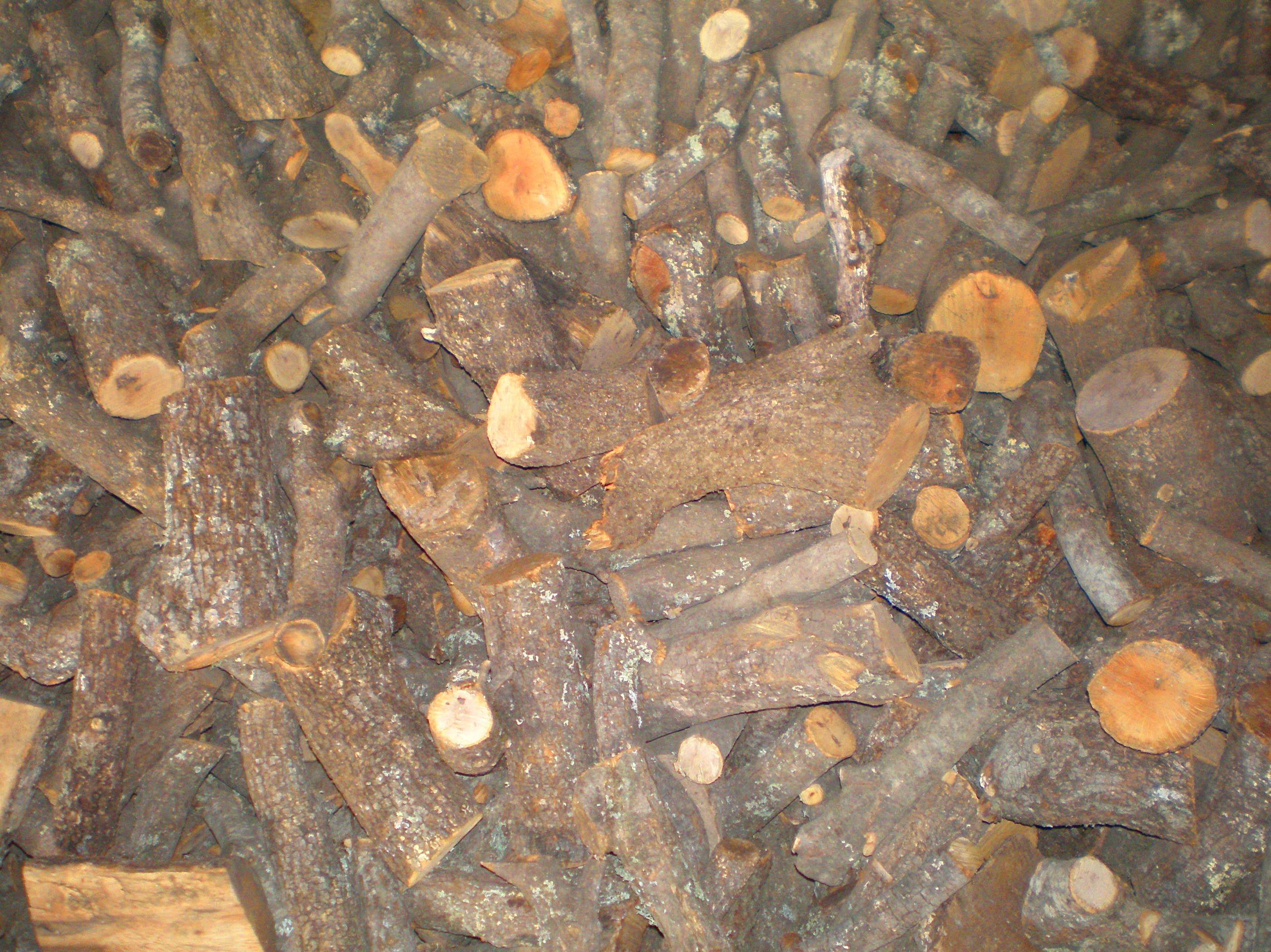 Foto 3 de Carbones y leña en  | elcarbonero.es