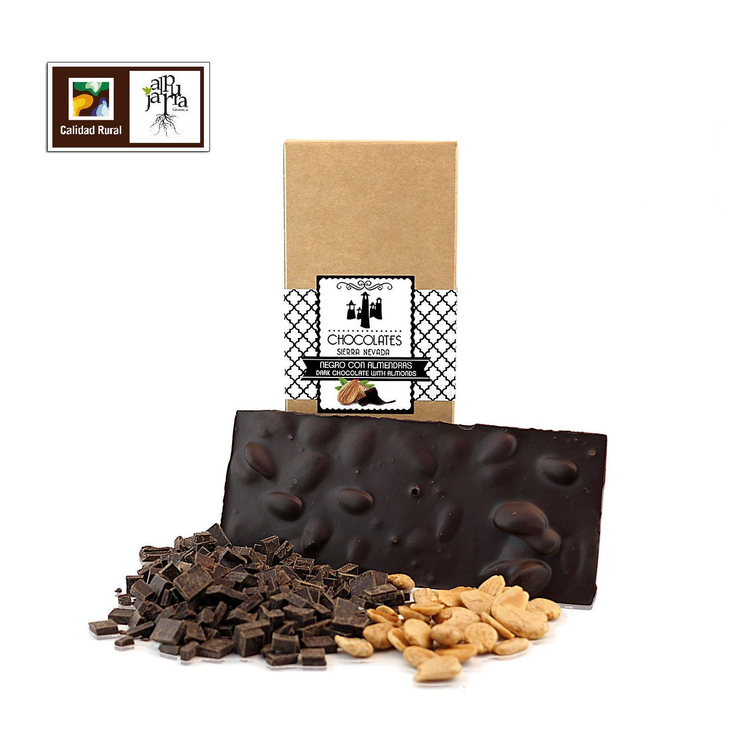 chocolate negro con almendra