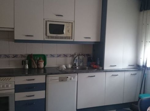 Cocina amueblada en Chalet RIvas centro