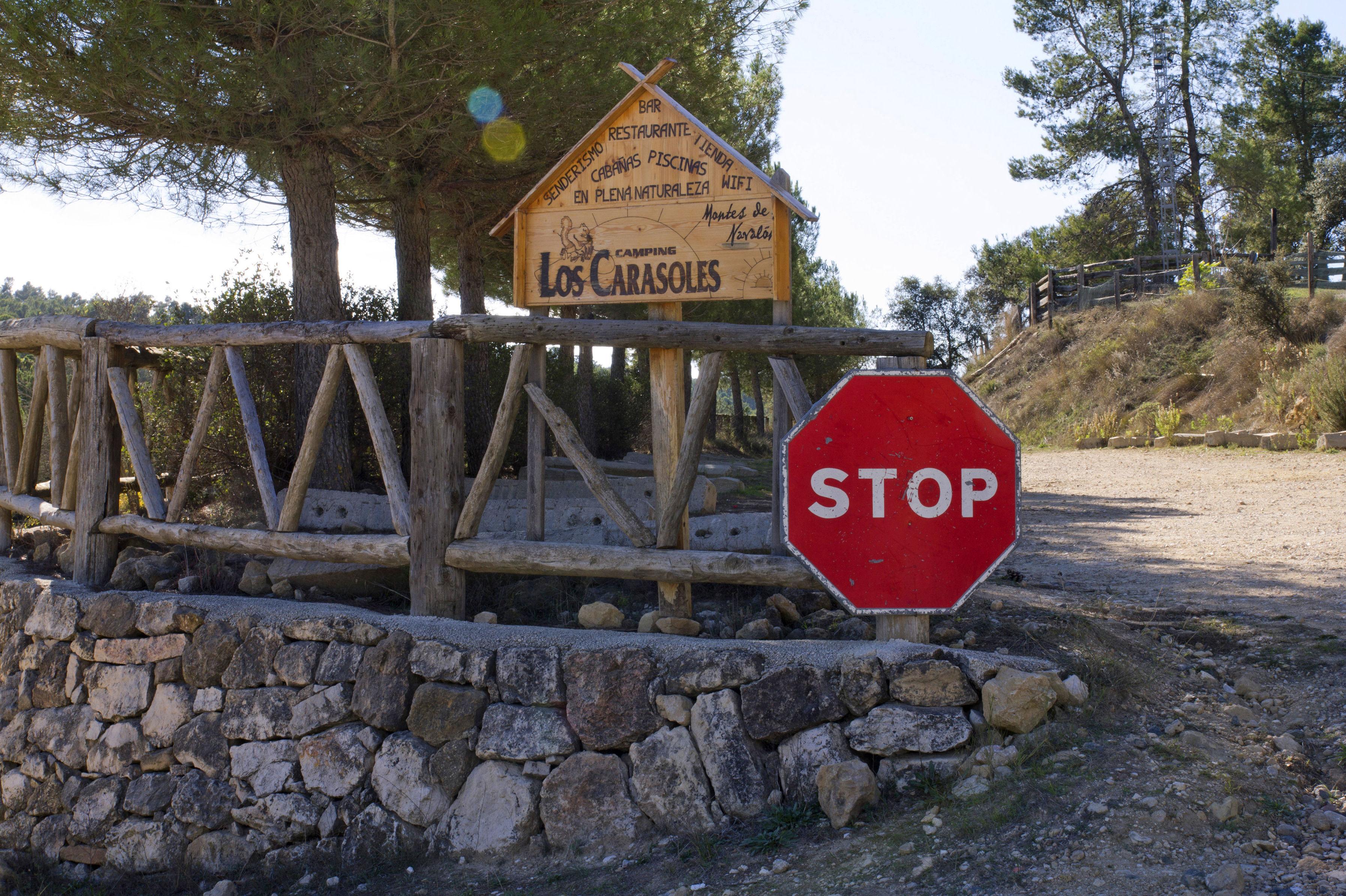 Camping Los Carasoles en la Sierra de Enguera, Navalón, Enguera, Valencia
