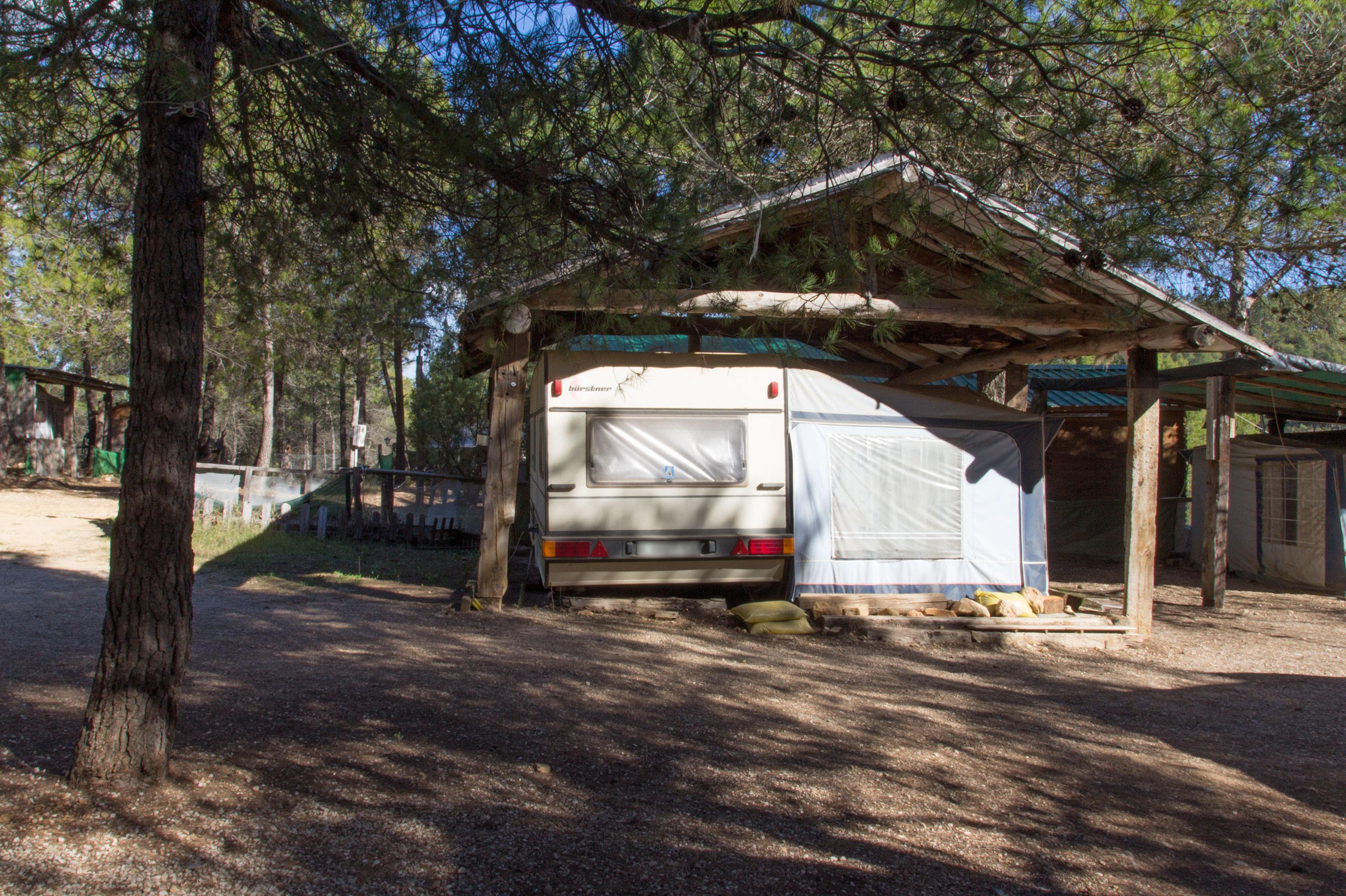 Camping para caravanas en Navalón, Enguera, Valencia