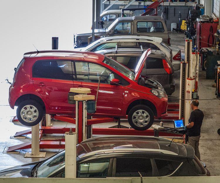 Electrónica del automóvil en Viladecans