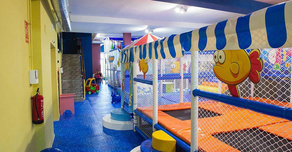Parque infantil con más de 450 m2 en Castelldefels