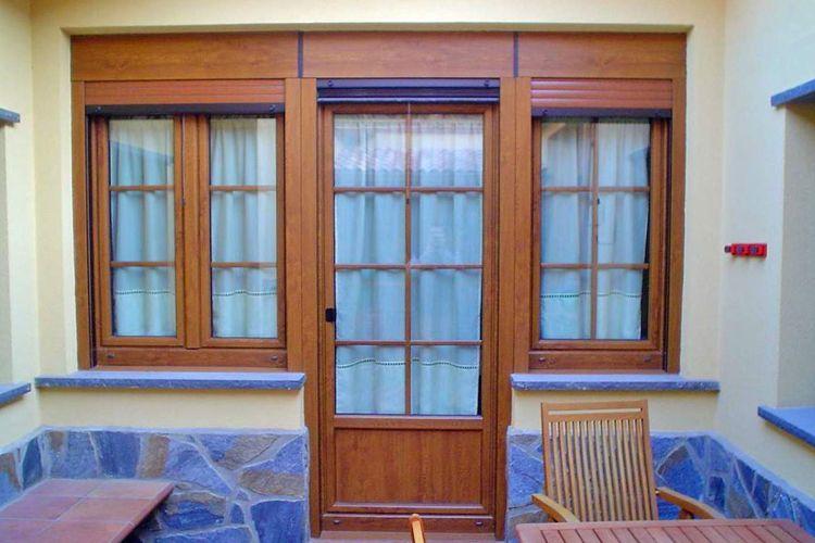 Puertas de aluminio de imitación a madera