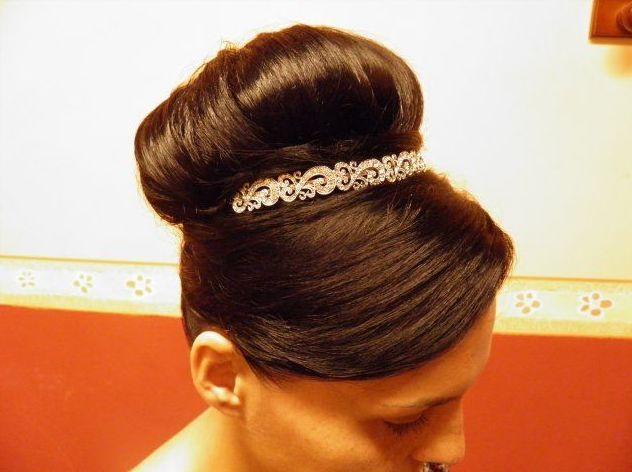 Muestra de peinado en forma de recogido