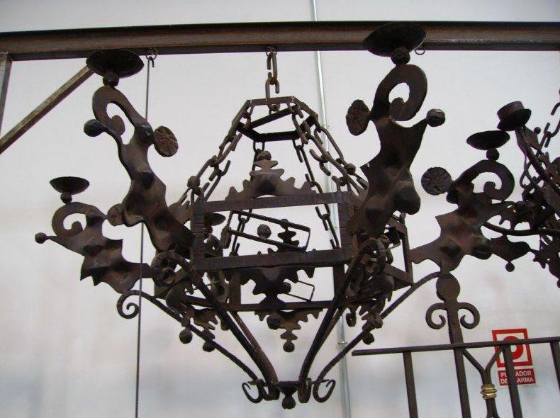 Lámpara grande con formas