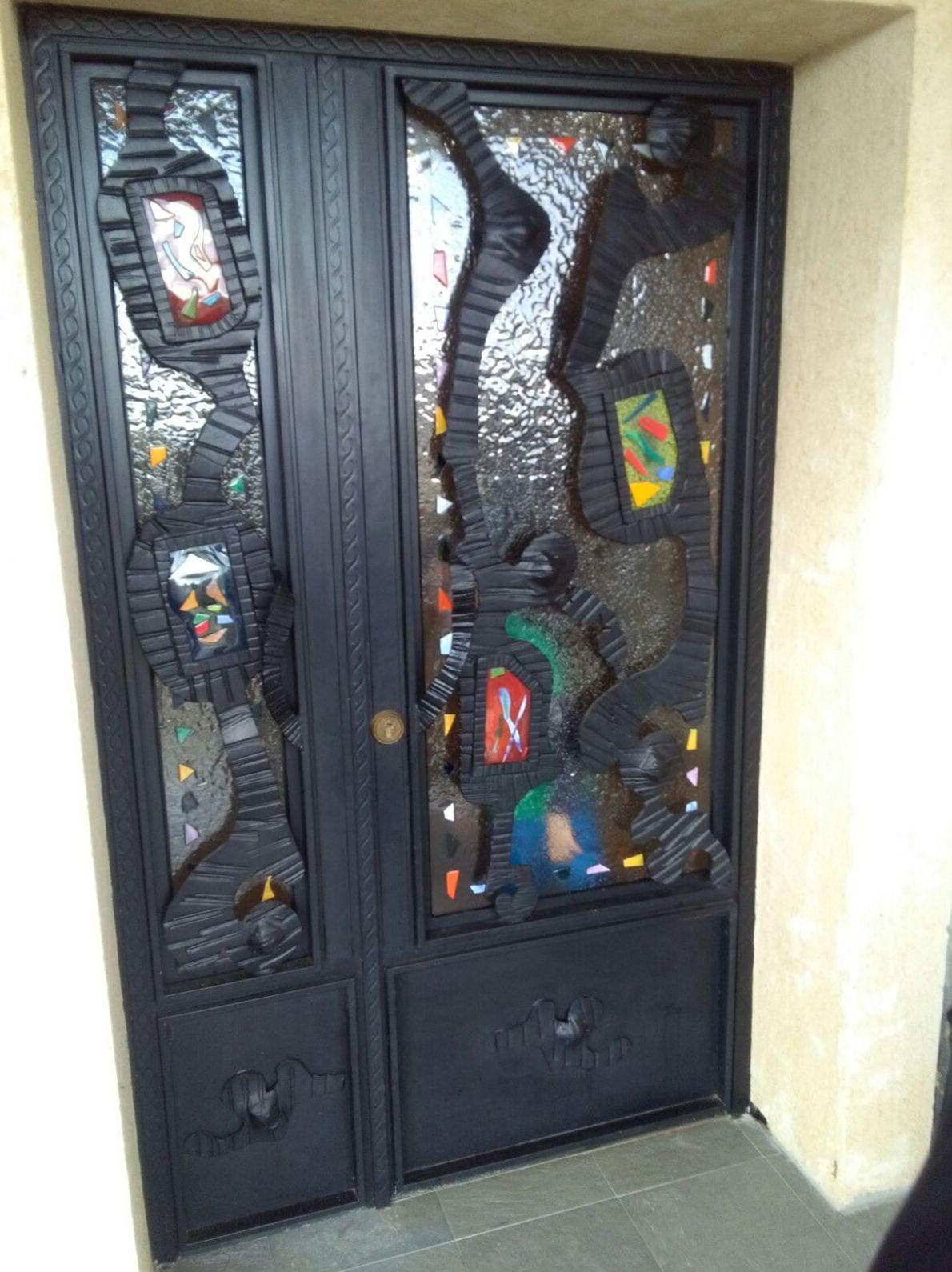 Puertas de forja art stica trabajamos tambi n en madrid for Puertas correderas de forja