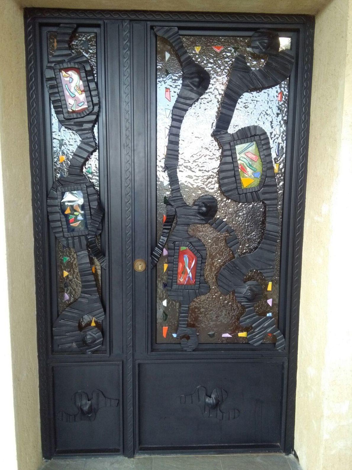 Puerta de forja artística