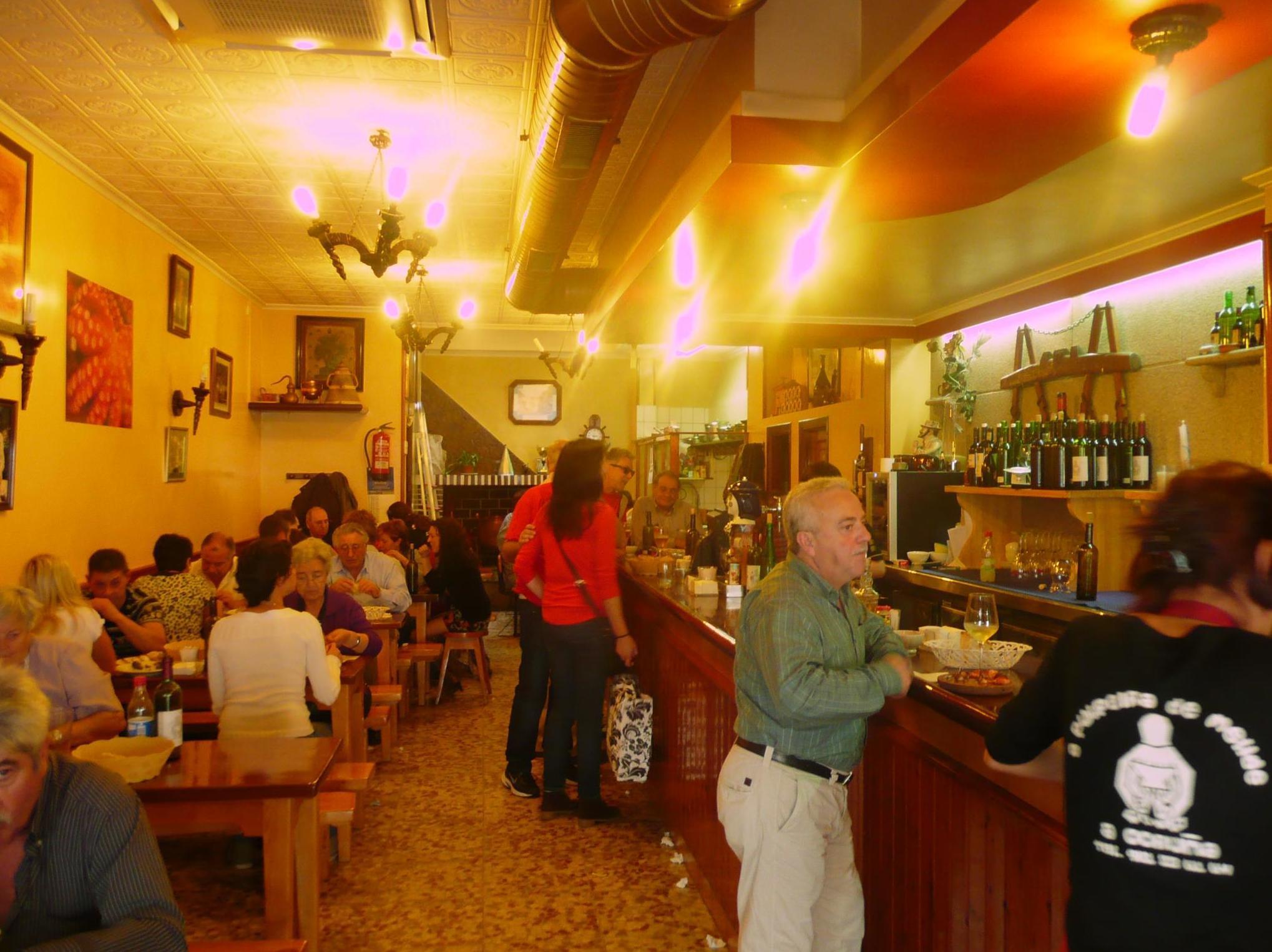 Restaurante de cocina gallega con especialidad en pulpo