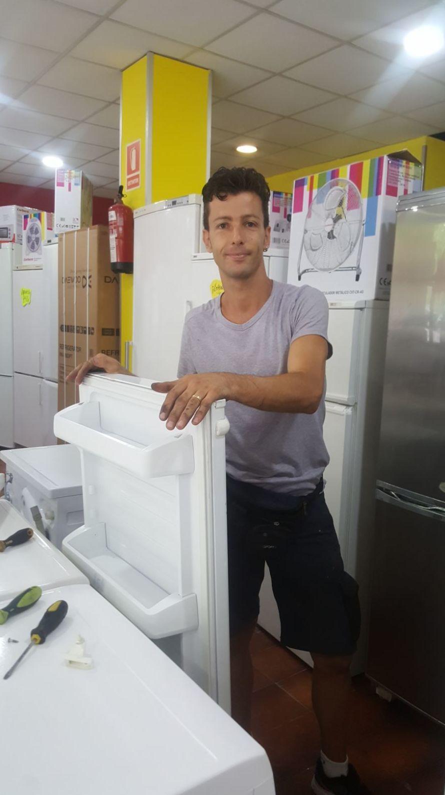 Servicio Técnico: Catálogo de Electrodomésticos Carlos