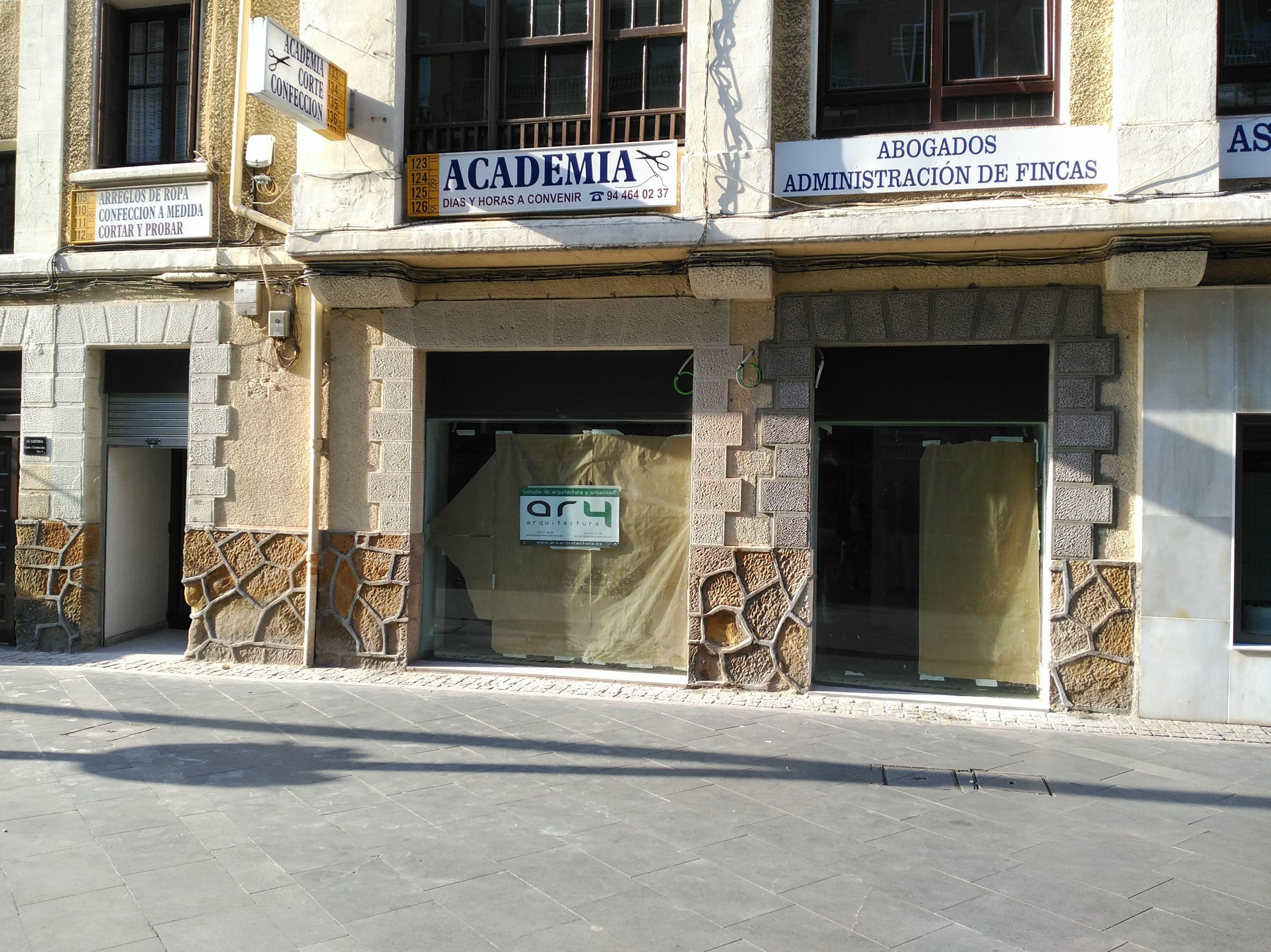 REFORMA DE LOCAL COMERCIAL EN LAS ARENAS