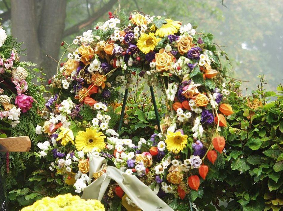 Arreglos funerarios: Servicios de Díaz Floristas