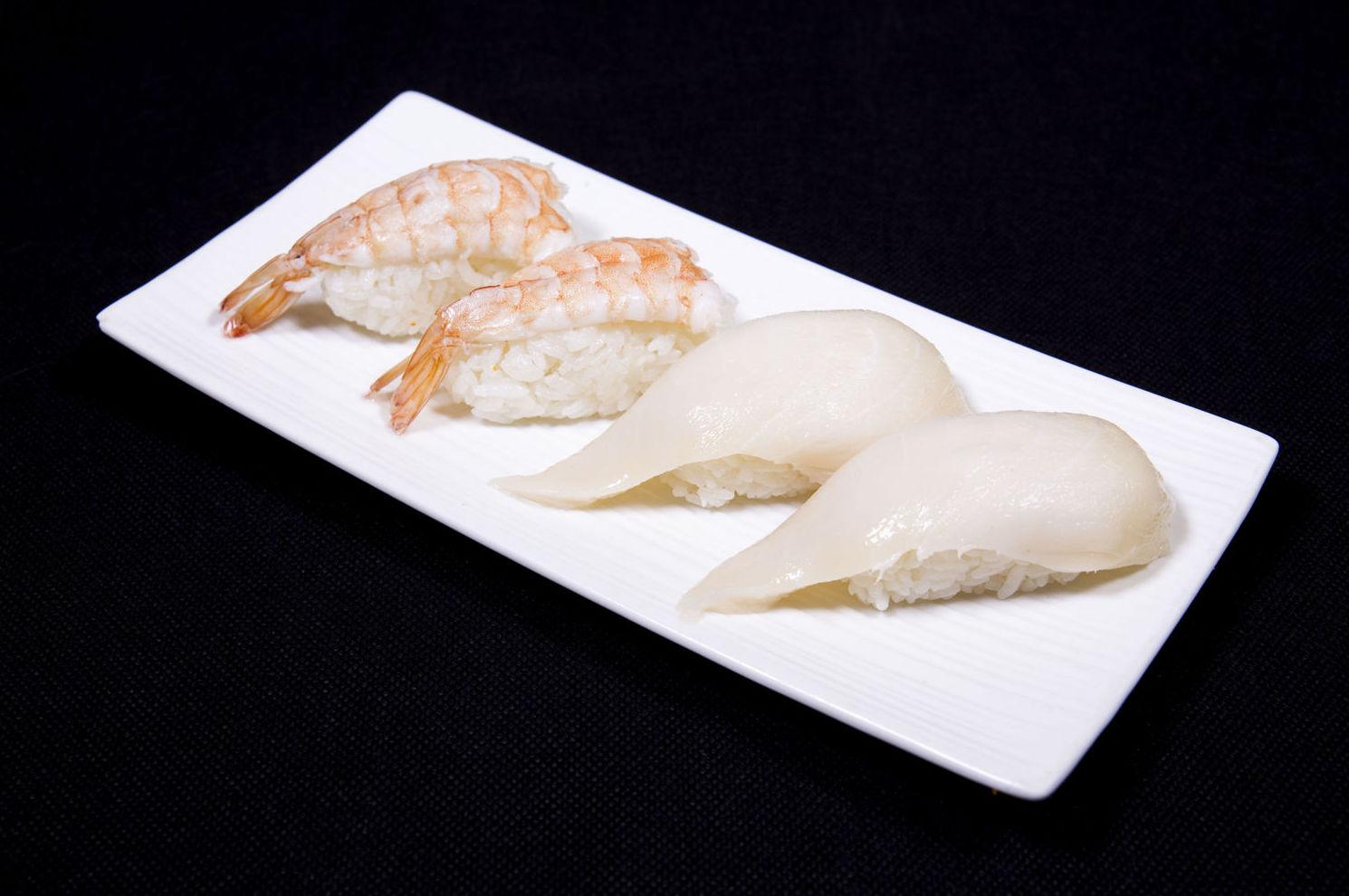 Niguiri de gamba y pez mantequilla