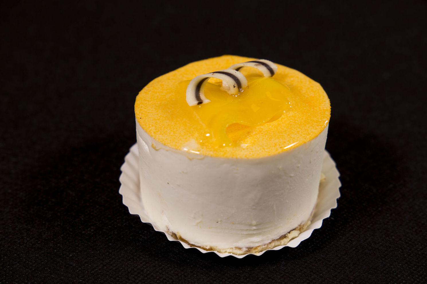 Semifrío de yogur con mango
