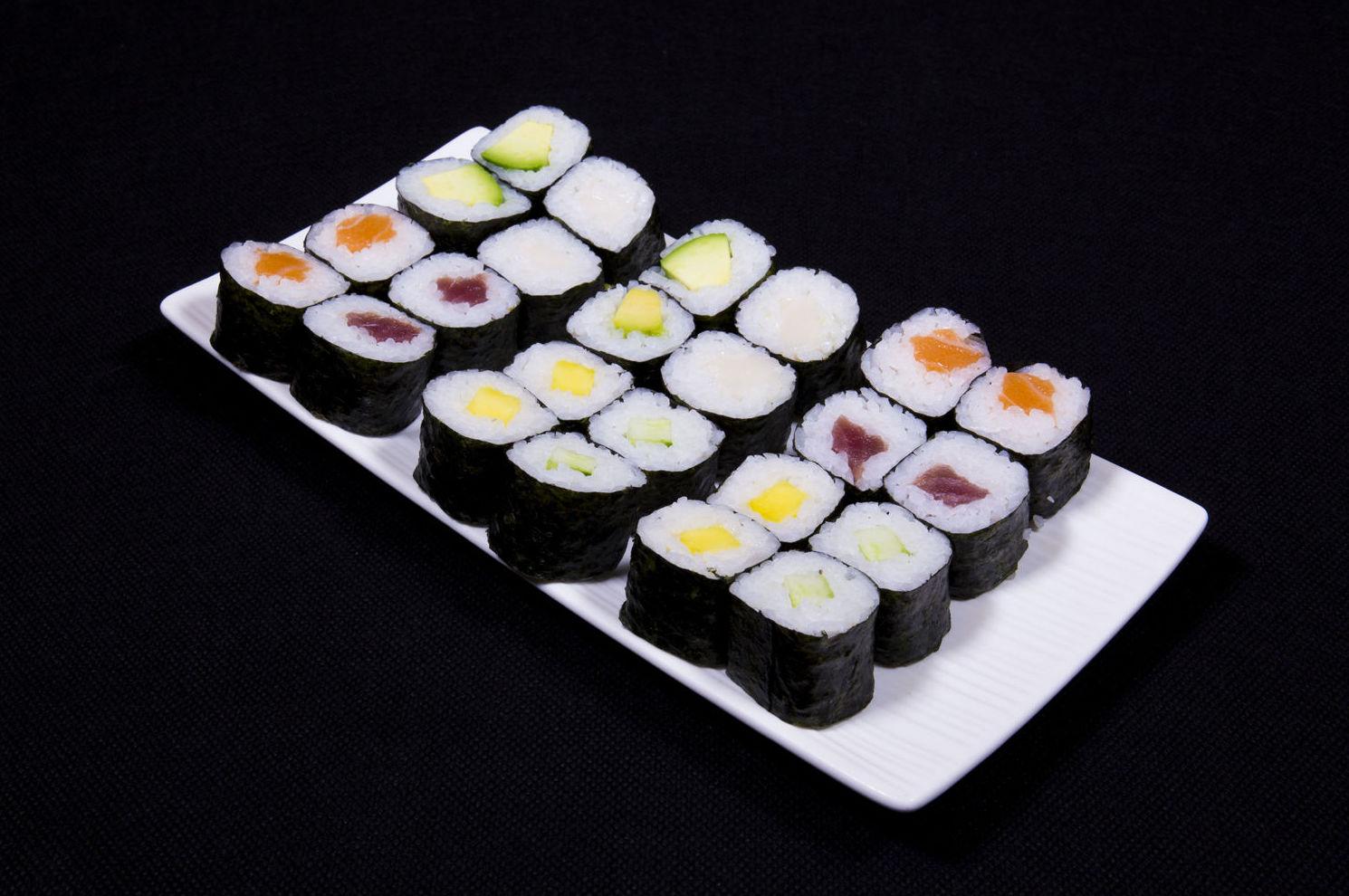 Bandeja de sushi maki 24 unidades