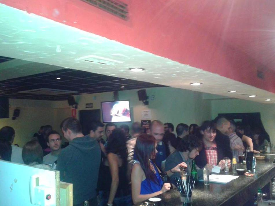 Foto 288 de Karaokes en Coslada | Esto Suena Bar Karaoke