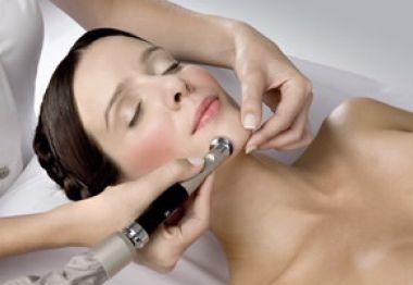 Microdermoabrasión con punta de diamante: Tratamientos de Rosana Montiano - Salón de Belleza
