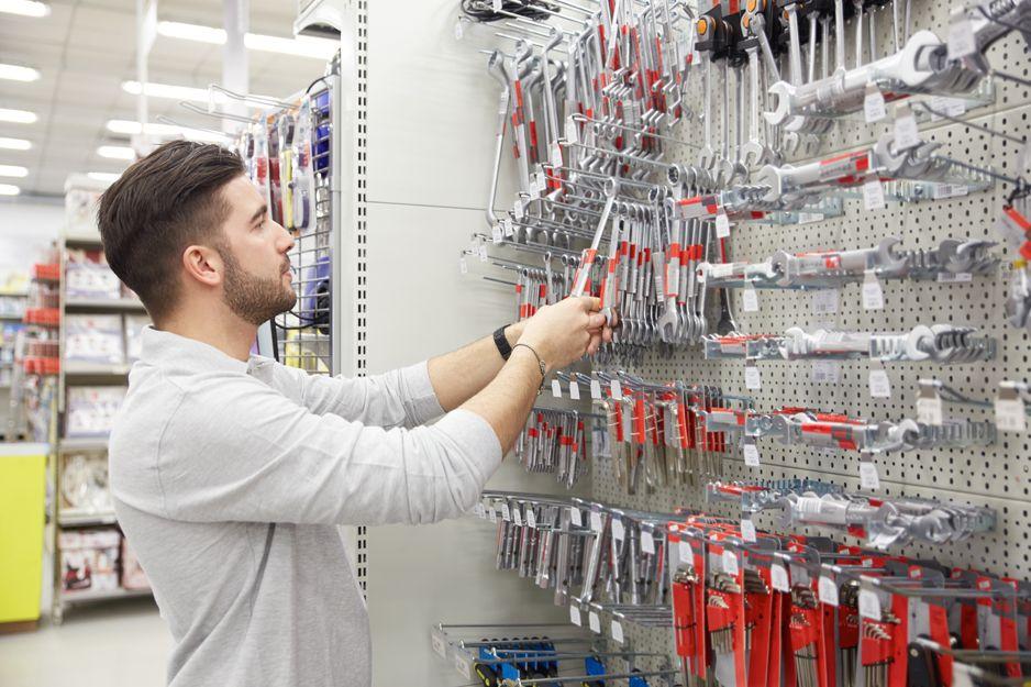 Almacén de ferretería para profesionales en Madrid