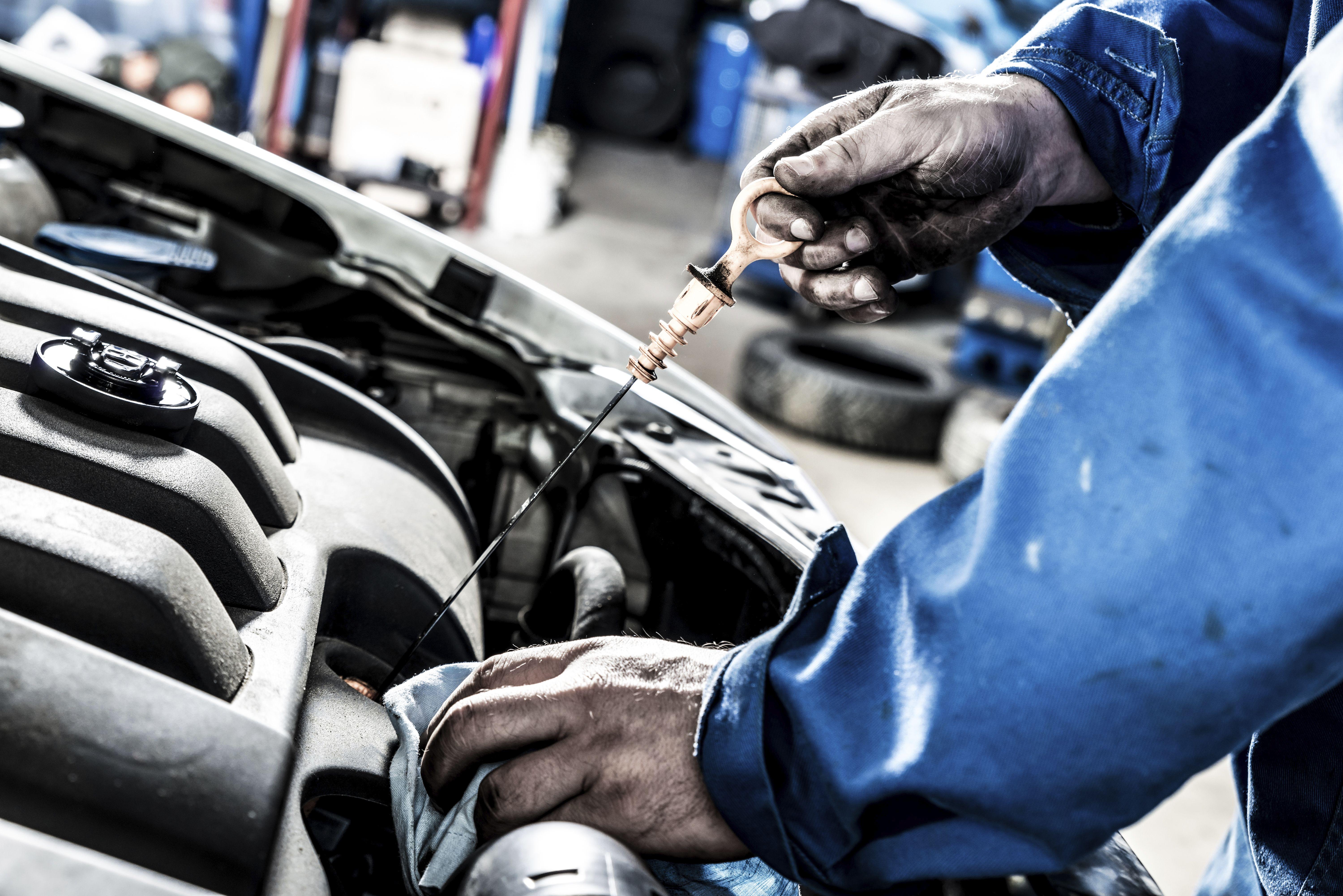 Reparaciones y mantenimiento: SERVICIOS de Autocarrocerías Retuerto