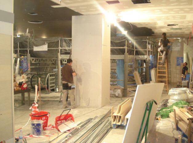 Trabajos de pintura y albañilería en local comercial