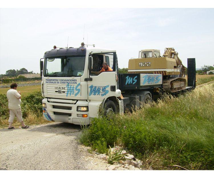 Camiones de maquinaria industrial