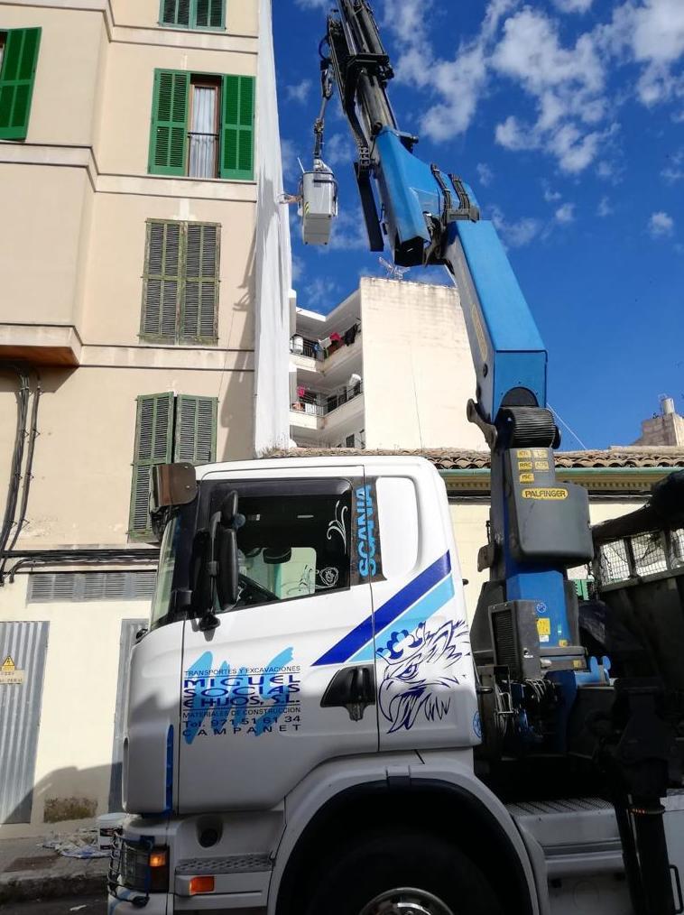 Foto 4 de Transporte y materiales de construcción en Campanet | Transportes Miguel Socias e Hijos