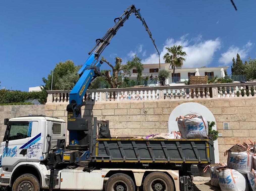 Foto 9 de Transporte y materiales de construcción en Campanet | Transportes Miguel Socias e Hijos