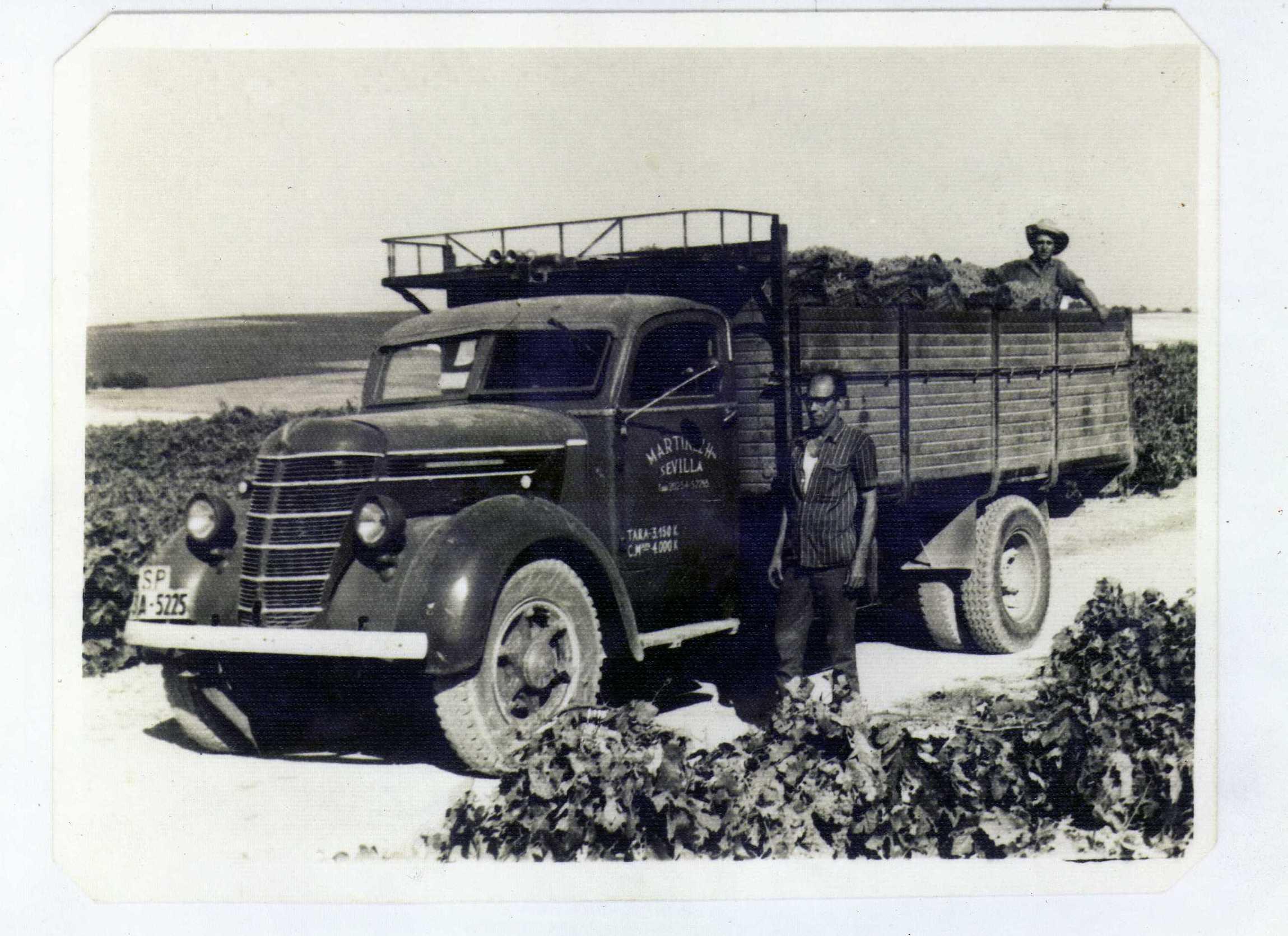 Primeros camiones de nuestra empresa