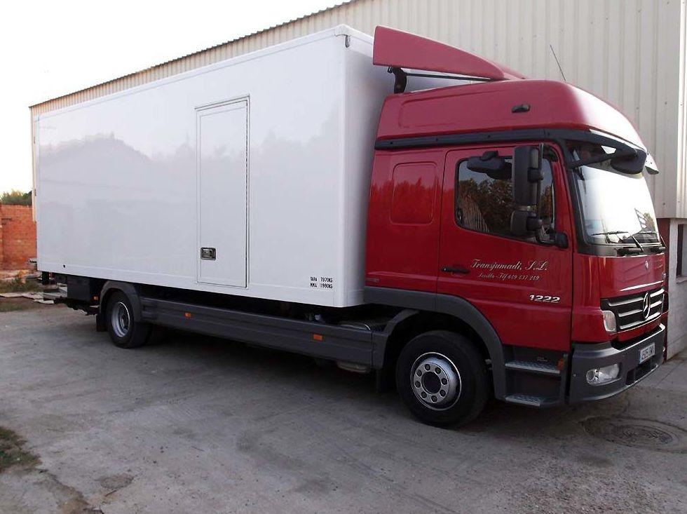 Transporte por carretera: Servicios de Transjumadi, S. L.