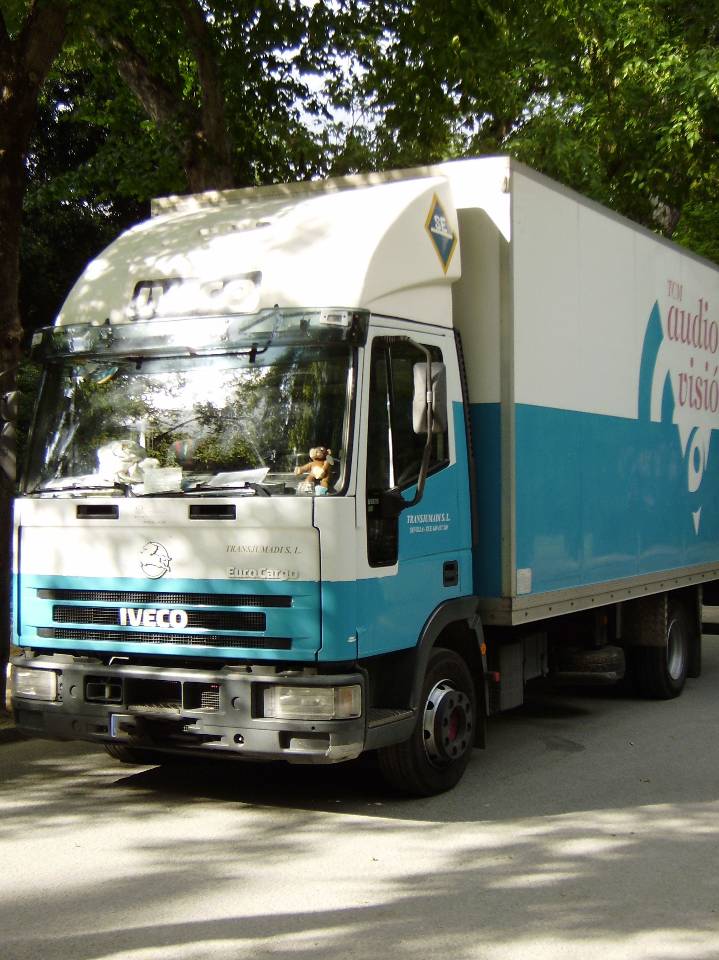 Camión para traslado de material audiovisual