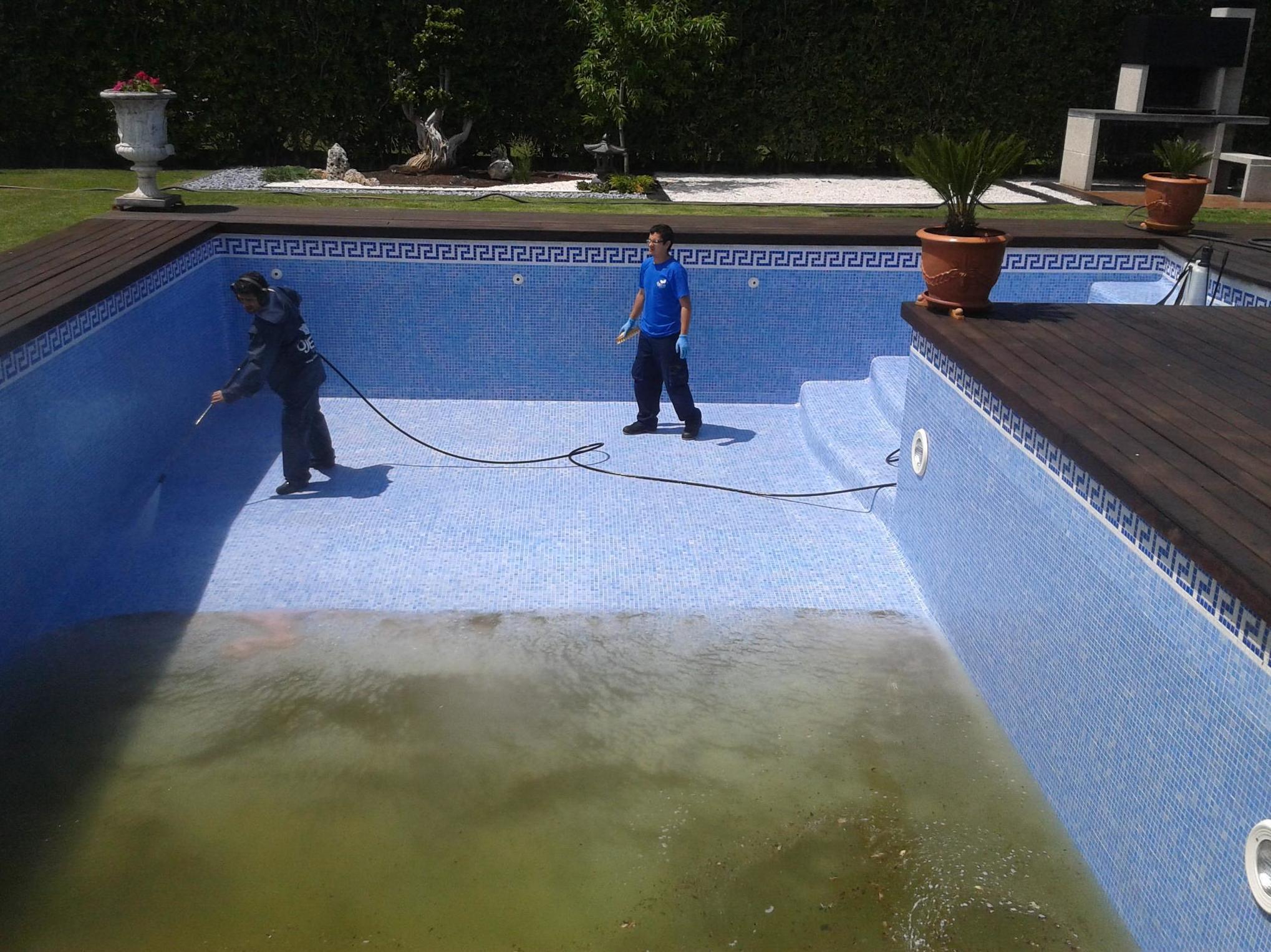 Limpieza de piscinas en Vizcaya