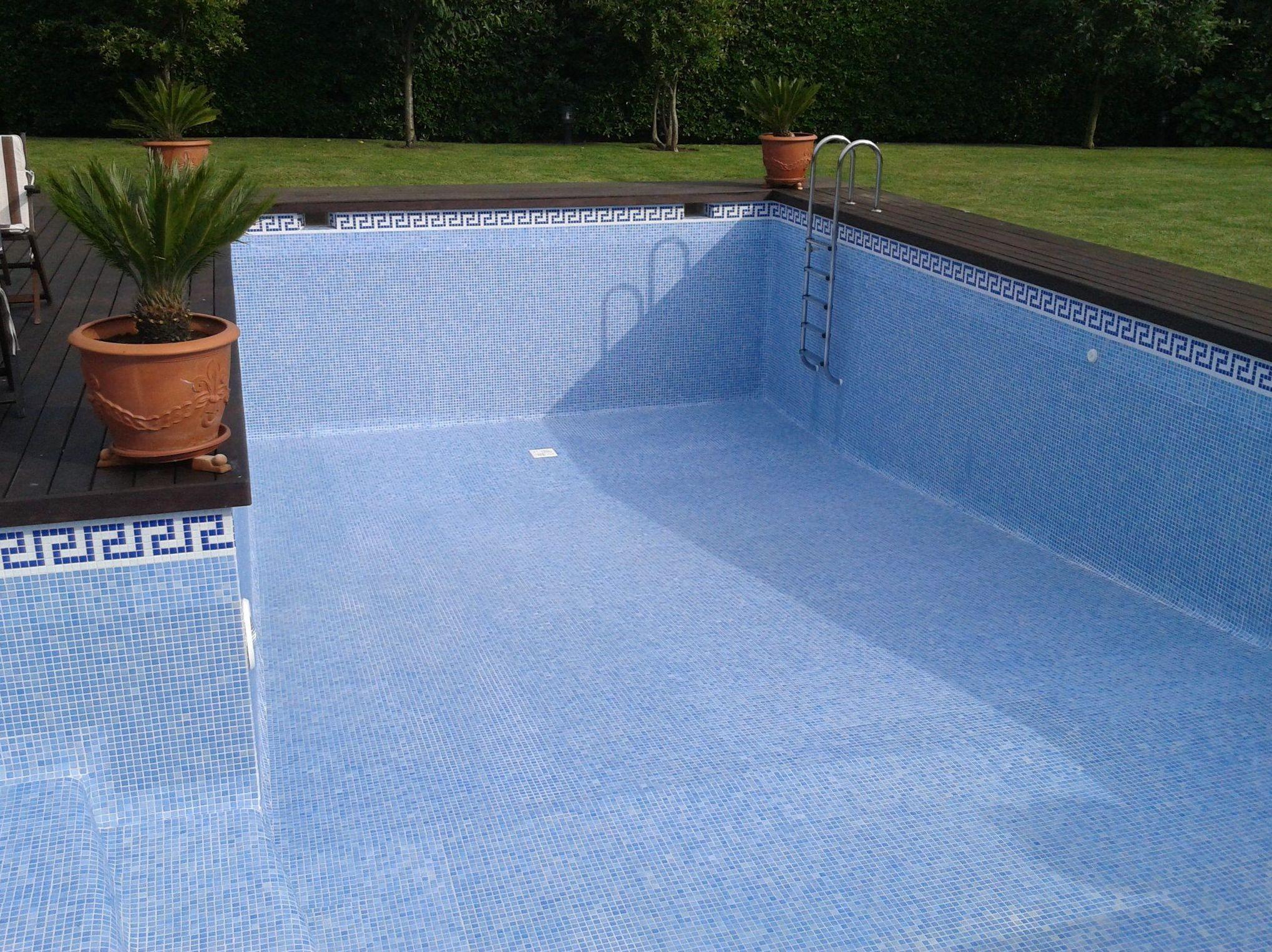 Limpieza de piscinas Sopelana