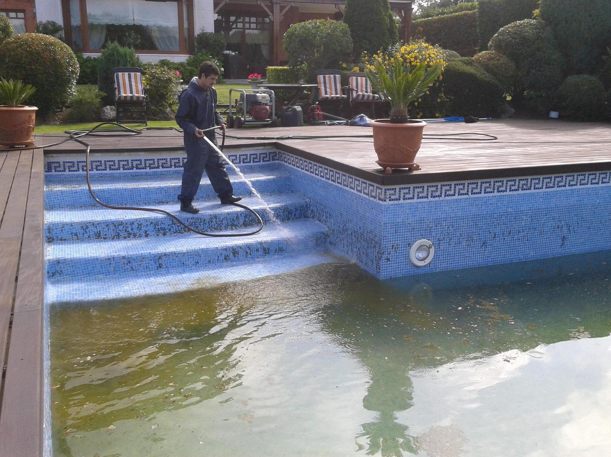 Limpieza integral de piscina