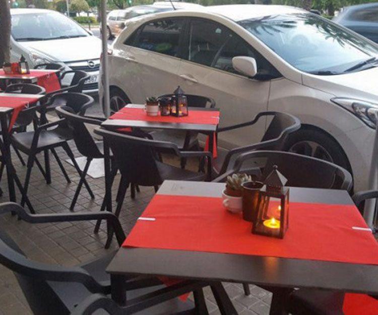 Terraza exterior del restaurante en Valencia