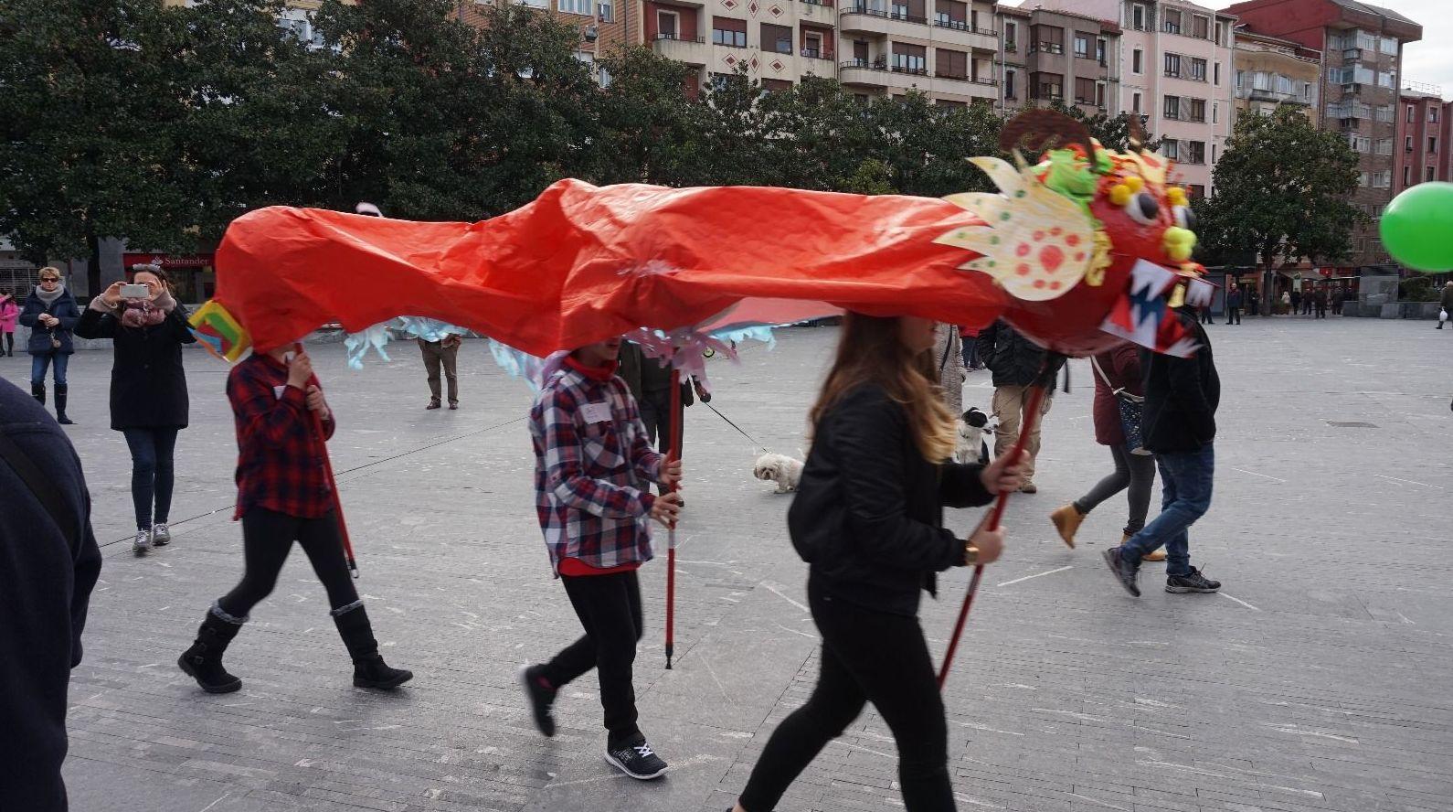 Celebración del Año Nuevo chino.. Año Gallo