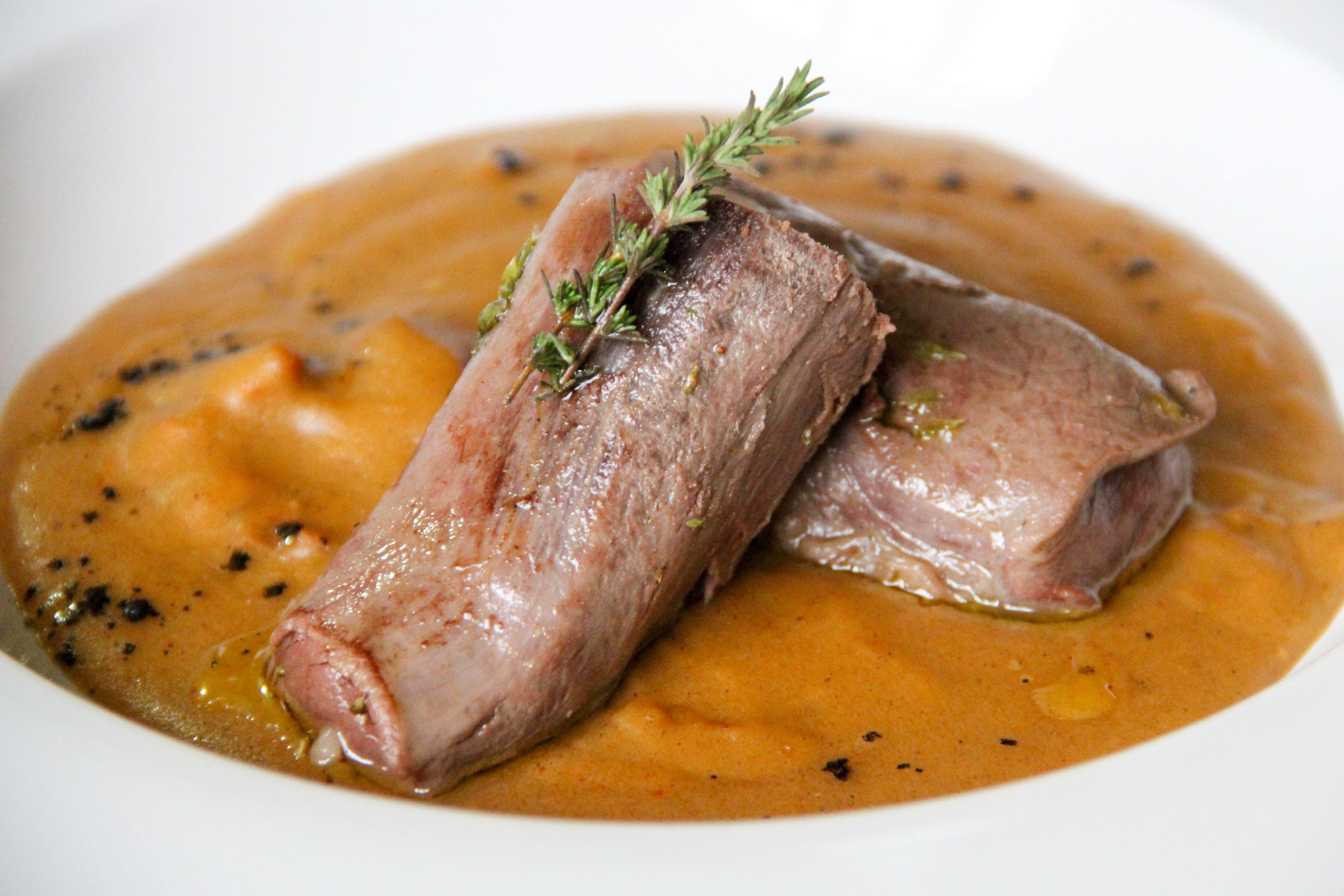 Si no sabes dónde comer platos de cocina castellana, tienes que venir a Casa Parrilla en Toledo