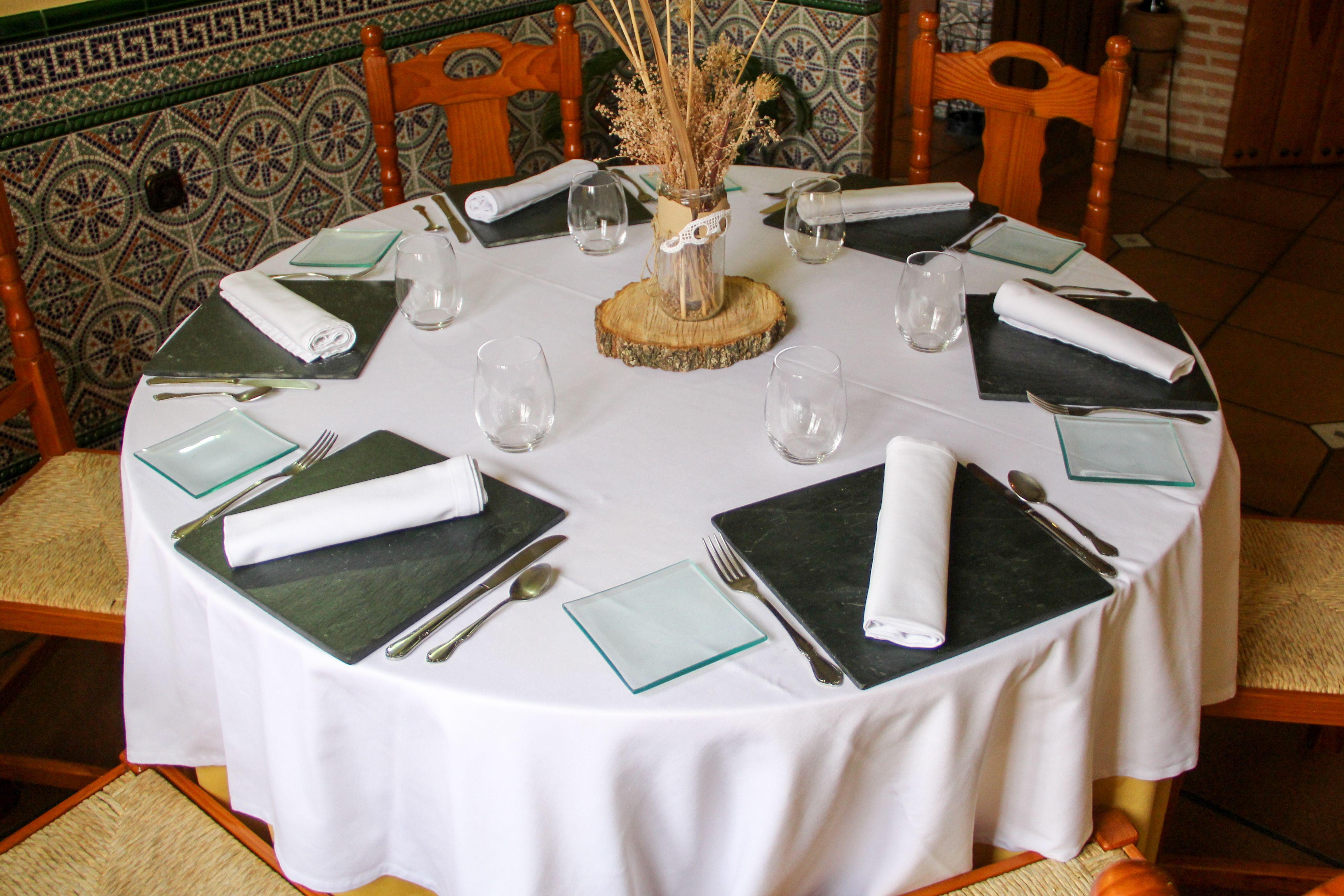 Ven al restaurante Casa Parrilla y pregunta por nuestros menús
