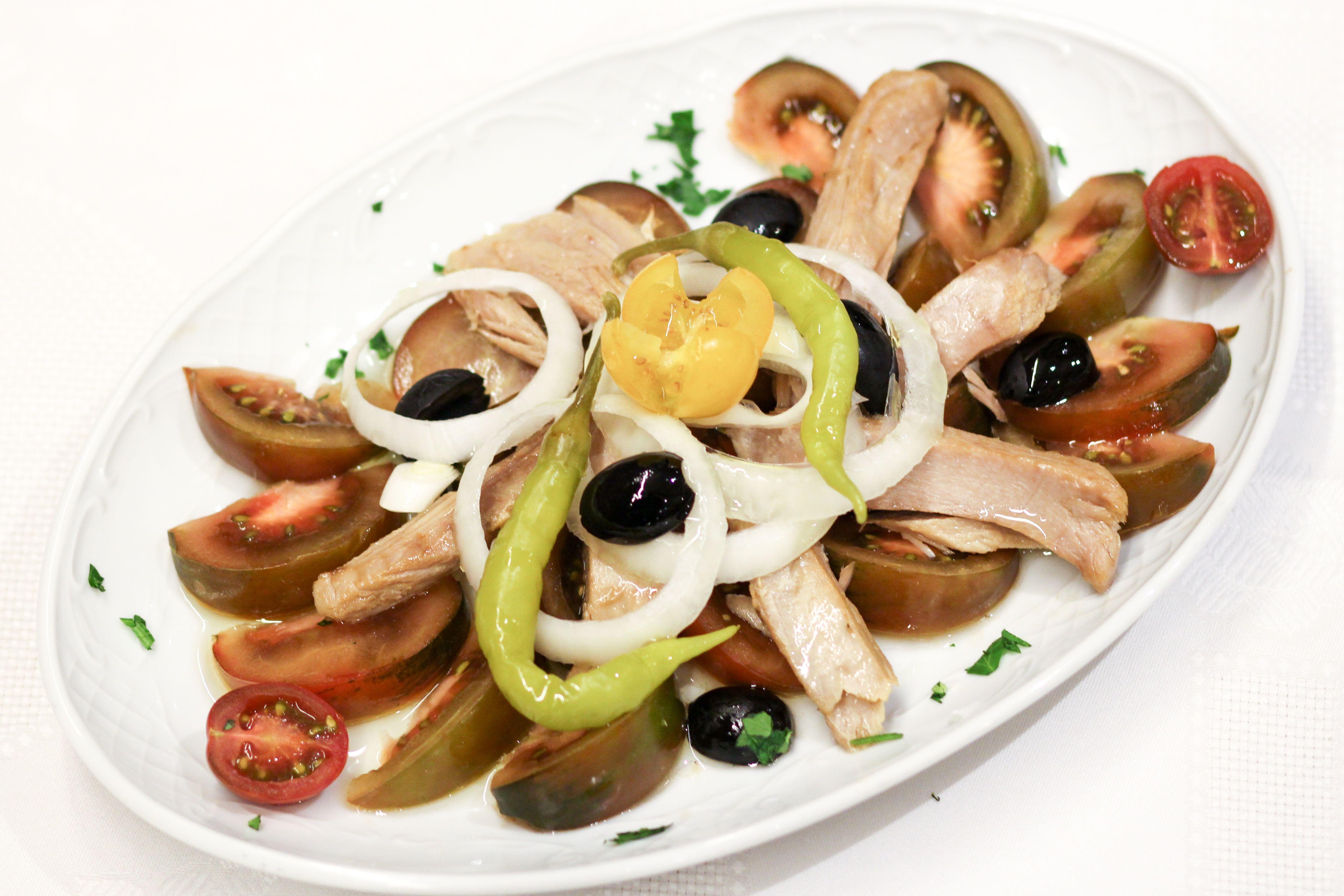Disfruta del ambiente y los sabores de una auténtica taberna andaluza en Madrid centro