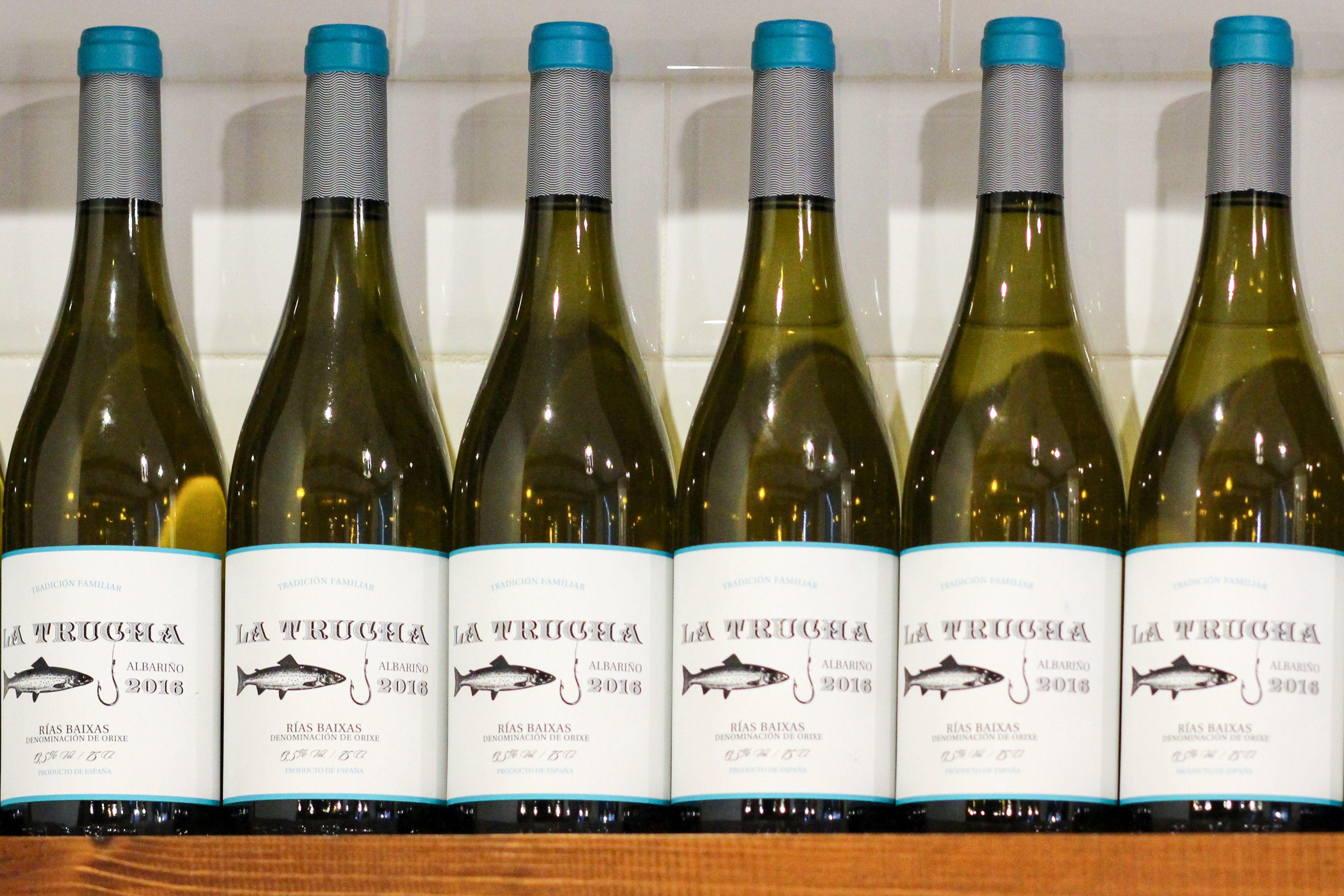 SI lo que quieres es acompañar las tapas con un vino de calidad, ven a Taberna La Trucha