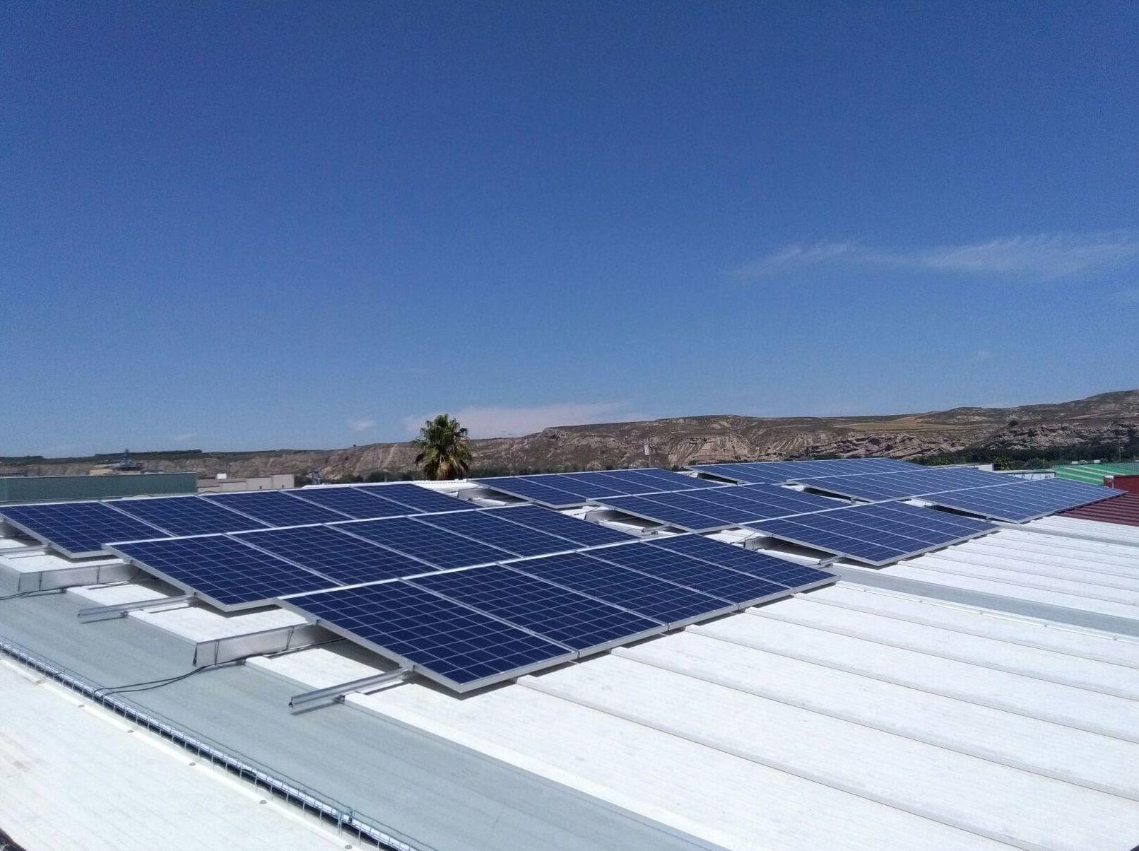 Fotovoltaica para autoconsumo: Servicios de SOLARFAM  INSTALACIONES FOTOVOLTAICAS