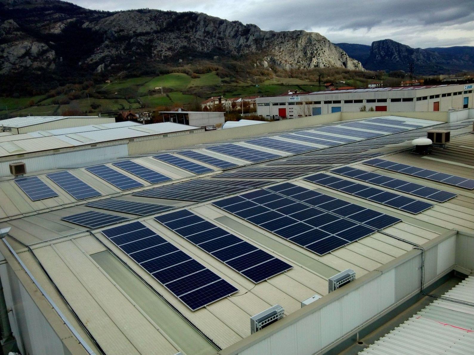 Energías renovable, fotovoltaica para autoconsumo en empresa Trefilados de Navarra